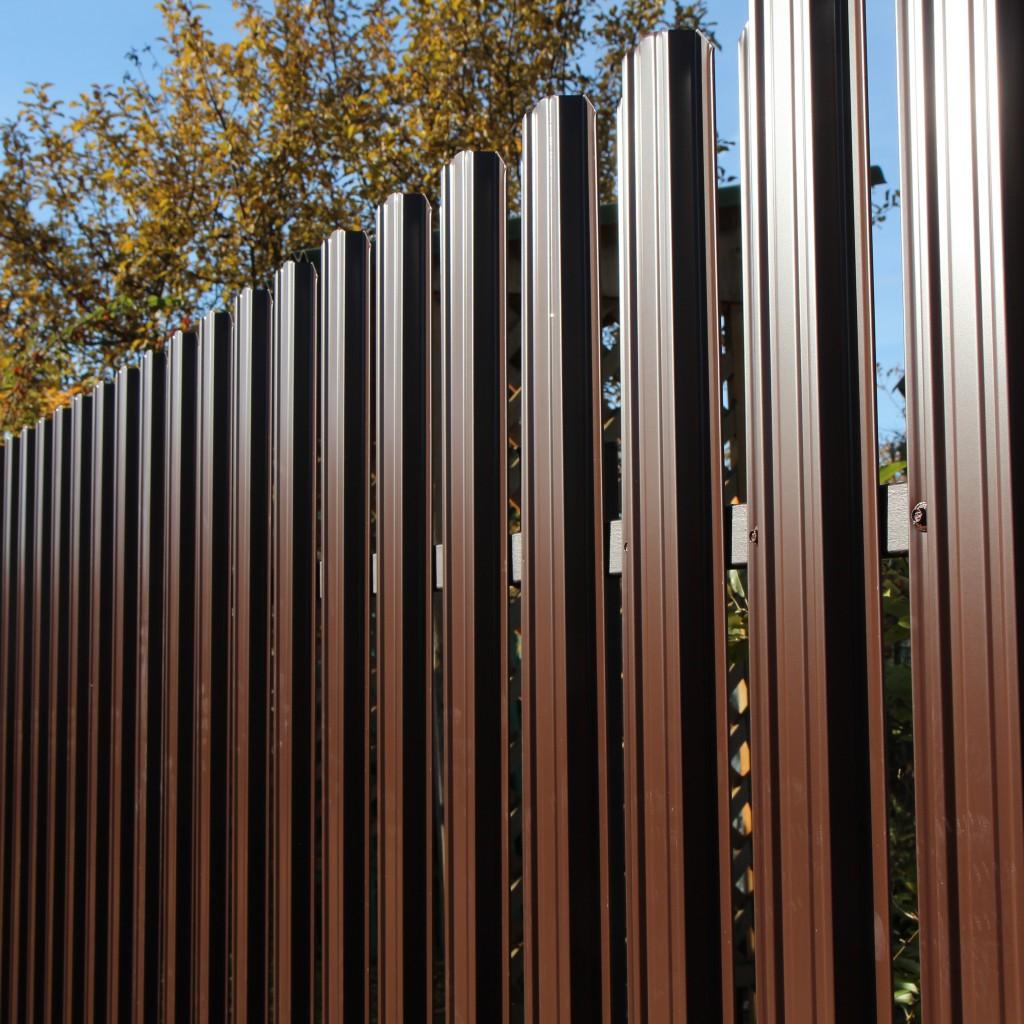 Металлический забор штакетник типовые металлические распашные ворота